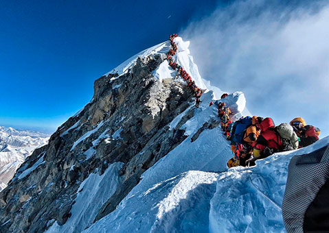Injustificables muertes en el Everest